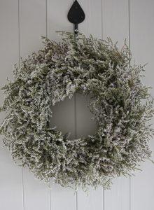 Dried statice tatarica wreath